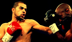 Sadam Ali(L) signs with Golden Boy Promotions.