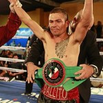 Novoa stops Zhong, wins WBC title in China
