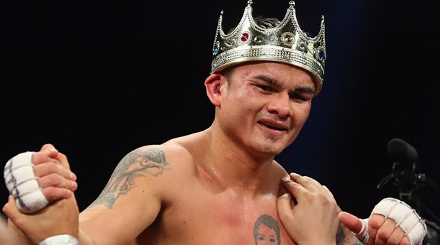 maidana with crown