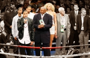Inflatable Dolls, Twin Chinless Wonders, and an Elderly Black Gentleman:  Involuntary Visual Requirements for the Contemporary Boxing Fan