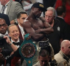 mayweather in the corner pac fight