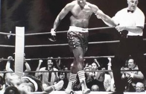 350px-Ron_Lyle_vs._Earnie_Shavers_._Fasan